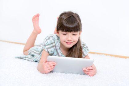 IPad kan skade børns nakker – og hjernen !